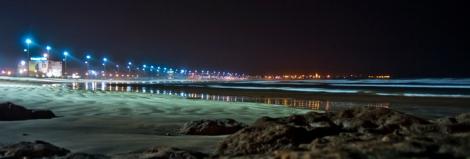 Panorámica nocturna de la playa de El Jadida