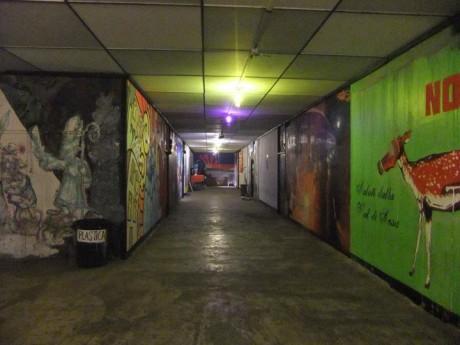 Interior vacío de la CSOA Gabrio